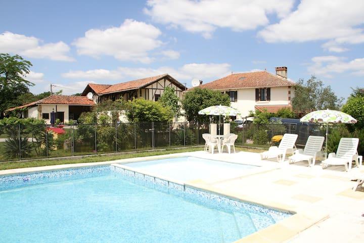 La Cave @ France getaway - Lagarde-Hachan - Apartment
