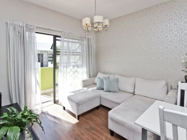 Excellent Location, Comfort and Luxury for less - Sandton - Departamento