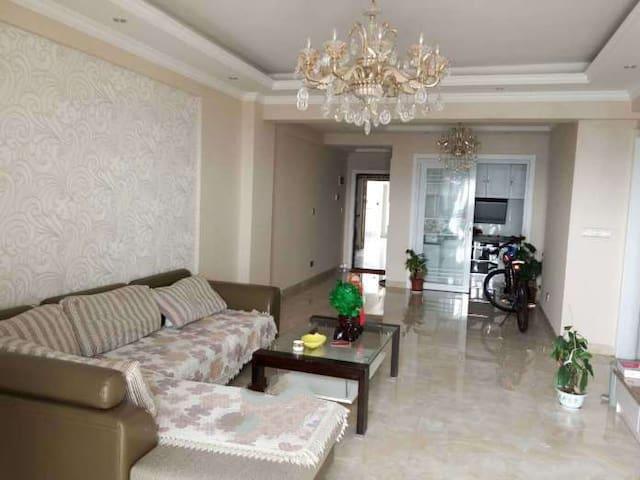 简约式装修,小区环境优雅,面朝长江,夜晚江景迷人 - Huangshi - Departamento