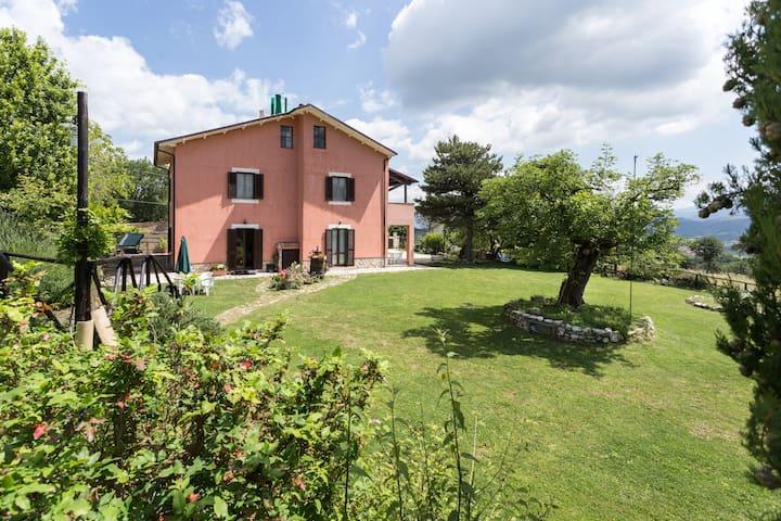 1 Casa di Campagna a Spoleto - Spoleto - Appartement