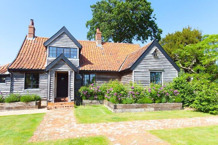 Romantic Rose Cottage @ Letheringham Lodge - Woodbridge - Hus