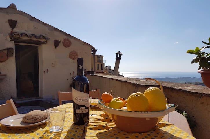 South Italy, aperta al sole, al vento, agli amici - Badolato - Maison