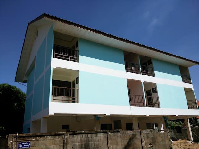 บ้านพักสีฟ้า - Wat Ket - Apartamento