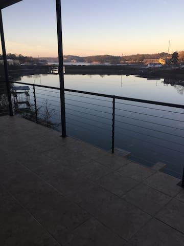 Lake Hamilton townhouse brand new ! - Hot springs