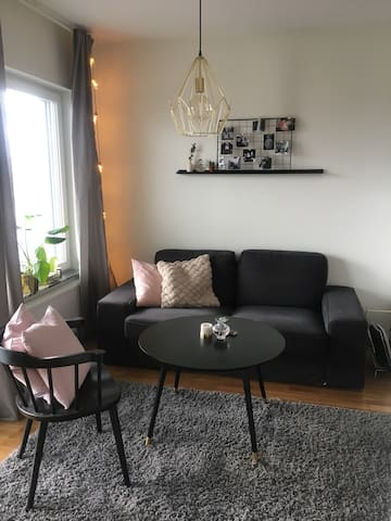 New studio apartment 10 mins from Arlanda airport - Märsta - Apartament