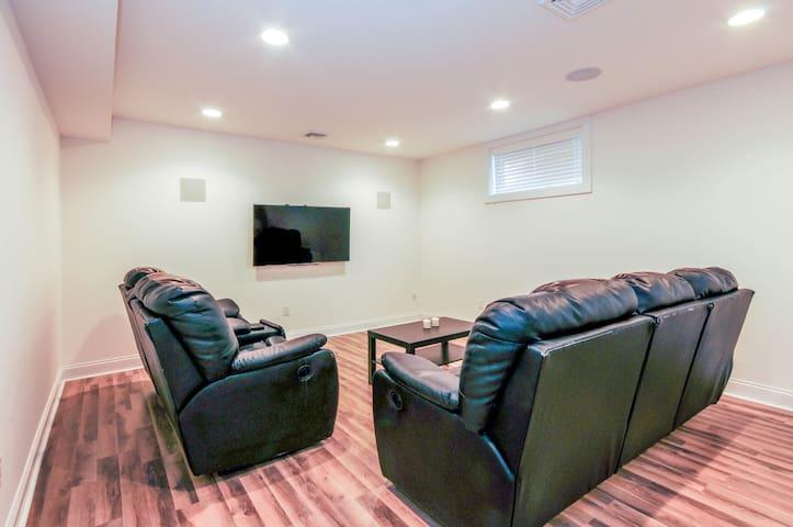 NEW construction! Luxury apartment - Tenafly - Huis