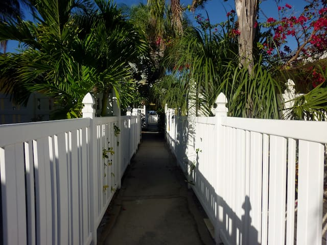 Cottage by the Sea on Anna Maria Island - Holmes Beach - Wohnung