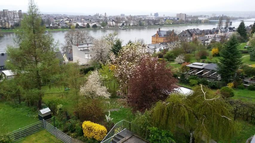 Zwei Gästezimmer & Rheinblick Koblenz Pfaffendorf - Koblenz - Appartement en résidence