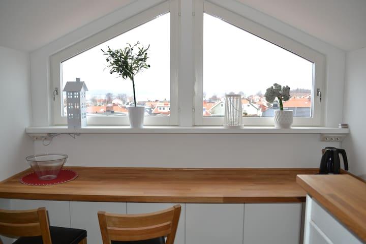 Mysig lägenhet med fantastisk utsikt över Vättern - Jönköping