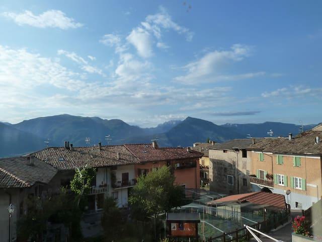Stunning views, walkers' paradise - Villa Lagarina