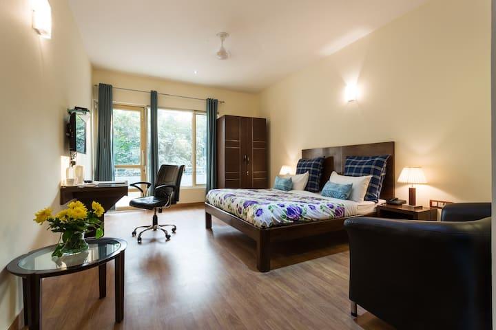 Luxury AirBnB on Golf Course Road Gurgaon - Gurgaon - Wohnung