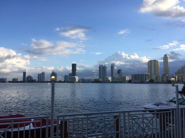 Waterfront Dream House Miami Beach Paradise - Норт Майами Бич - Дом