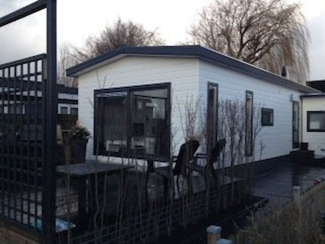 Luxury cottage - Roelofarendsveen - Dağ Evi