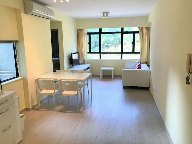 Spacious, renovated, conveniently located. - Hongkong - Wohnung