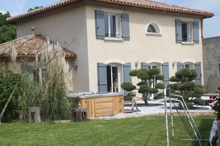Maison avec spa et piscine - Collonges-au-Mont-d'Or