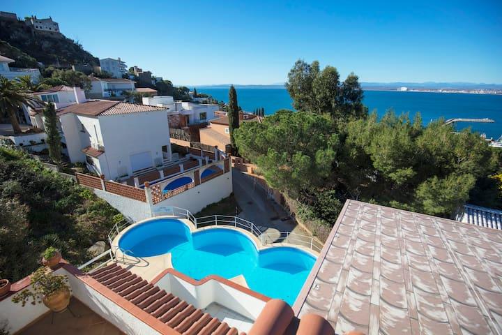 Apartamento 4 personas con vistas al mar piscina ! - Roses