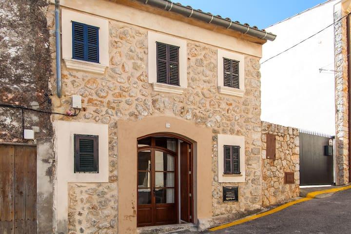 House Caimari. Cycling and Trekking License1335/16 - Caimari - Dom