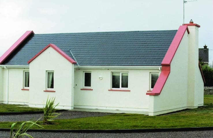 Banna Beach Resort - Tralee - Hus