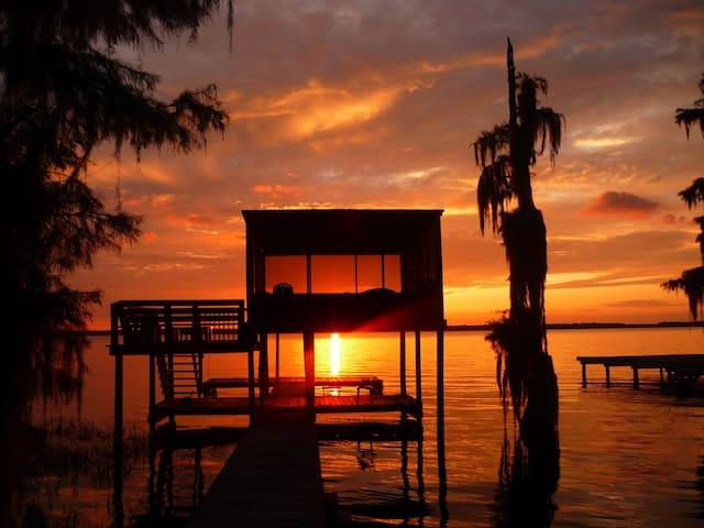 Melrose Lake House Retreat - 梅爾羅斯(Melrose)
