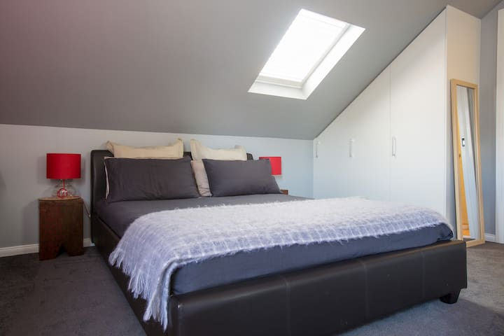 **Private, clean & self contained** - Ripponlea
