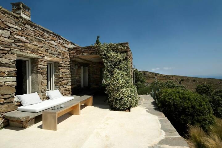 Architect's stone villa with amazing sea views - Kea Kithnos - Ev