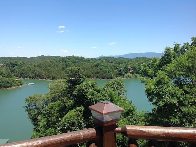 Lake Reflections - Sevierville - Cabane
