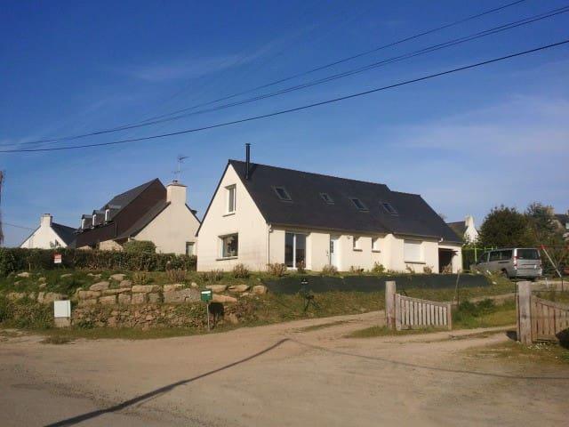 Maison familiale vue mer - Trébeurden - Huis