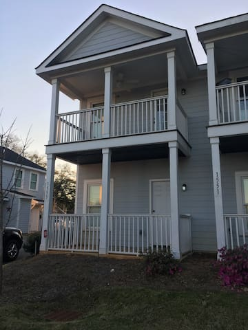 3 bed, 3 bath Townhouse - 2 miles from the Masters - Augusta - Adosado
