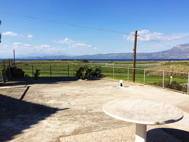 Cottage with view the sea ... - Corinth - Alojamiento vacacional