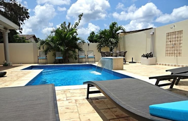 Gorgeous and affordable apartment with pool - Oranjestad - Departamento