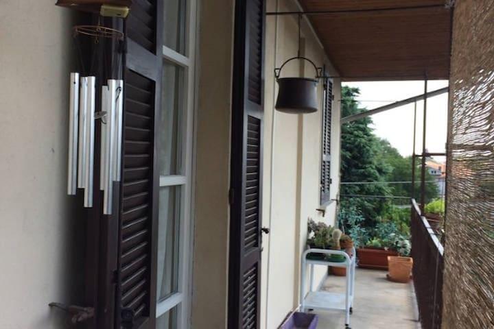 Stanza privata in appartamento - Borgomanero - Leilighet