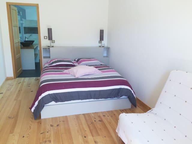 Chambre d'hôte en Drôme provençale -   Chalancon - La Motte-Chalancon - Bed & Breakfast