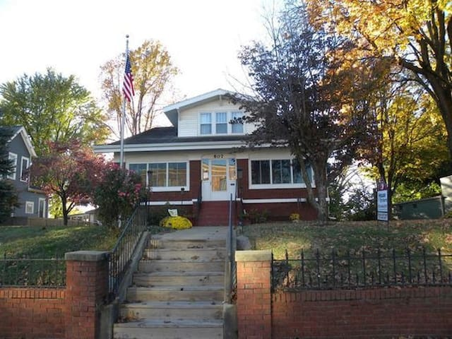 A Touch of Claas Salon, Spa and B&B - Boonville - Bed & Breakfast