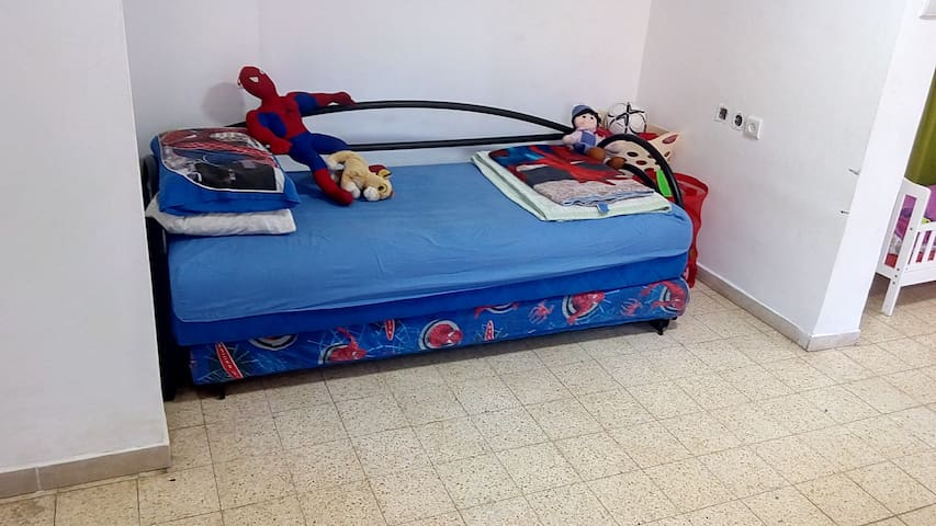 Bed in 6-Bed Mixed Dormitory Room07 - Gedera