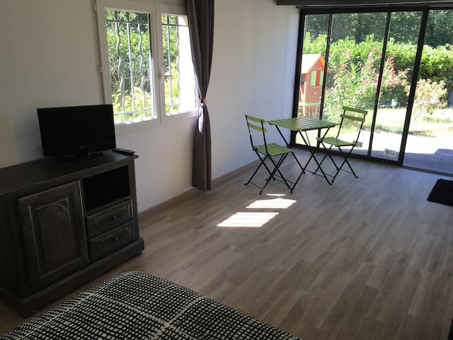 Studio et SdB privatifs - Beauzelle - Casa