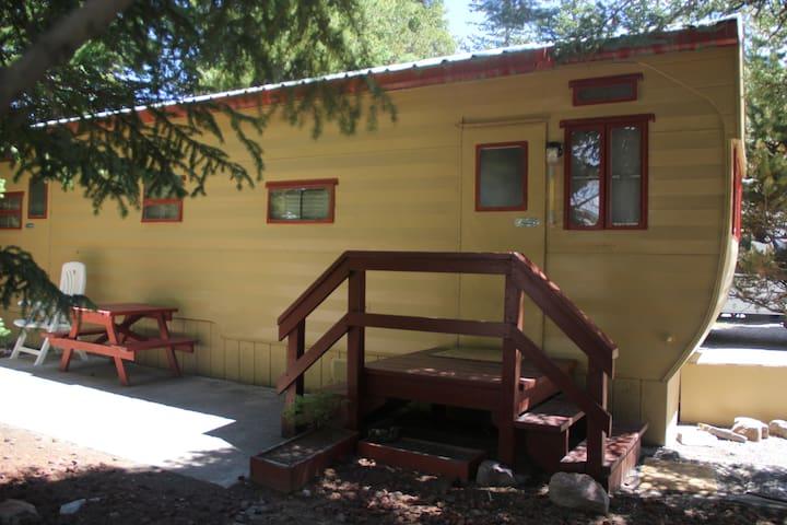Wagon Wheel Mobile home - West Yellowstone