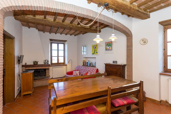Charming flat in medieval village - Panicale - Appartement