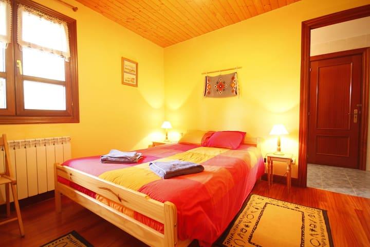Habitación doble en CR de Urdaibai - Bizkaia - Bed & Breakfast