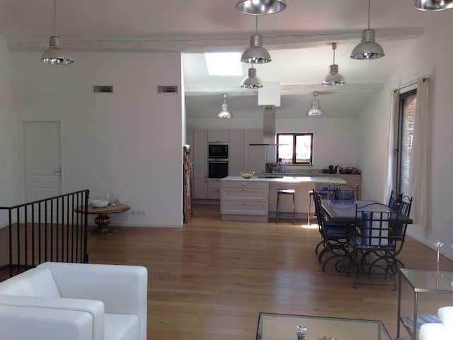 Apt Type loft 150 m2 Terrasse à 10mns de Collioure - Laroque-des-Albères - Lägenhet
