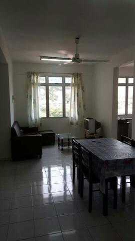 Comfort 3 br homestay - Tanjung Bungah - Condominium