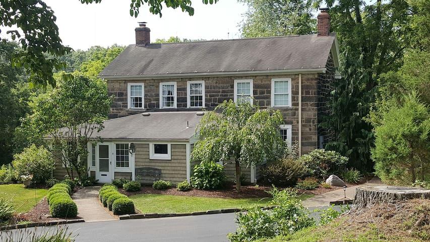Cozy Pre-Civil War Creekside Home - New Castle - Dům