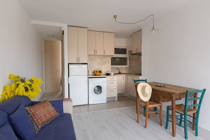 Acogedor apartamento en el centro de Llançà - Llançà - Huoneisto