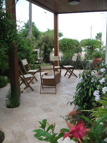 Beach Side Luxury Garden Apartment - Bodrum, - Appartement