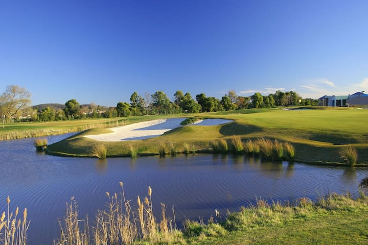 Waterford golf two rooms - Knoxfield - 別墅