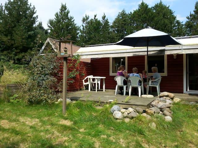 Helårsisol. sommerh. 400 m fra Limfjorden. 2 huse - Spøttrup - Cabaña