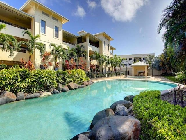 THE STRAND Walk to the BEACH, Casino, City Centre* - Townsville City - Lejlighed