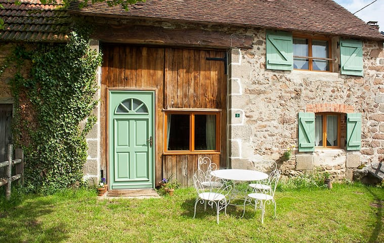 Rural, stylish Converted Barn - Naillat - Hus