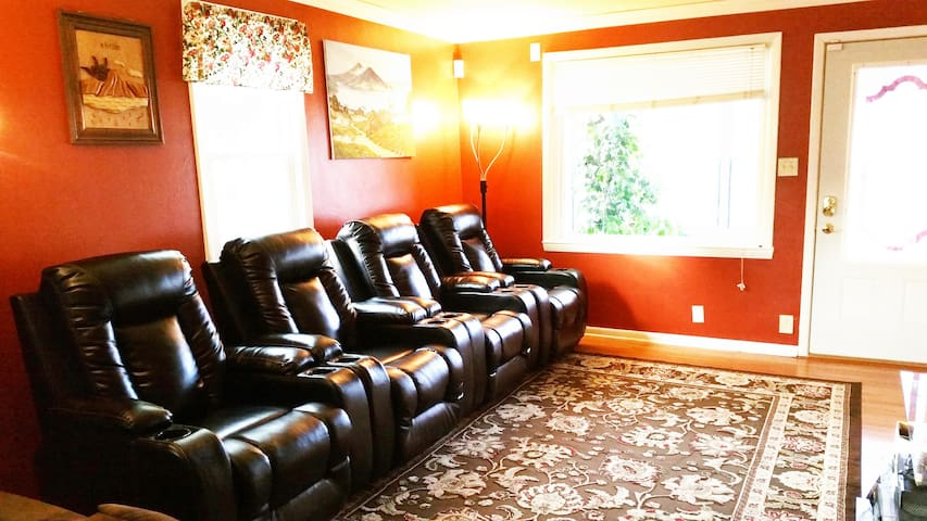 Incredible Amenities*10 Minutes From Lambeau Field - Green Bay - Hus