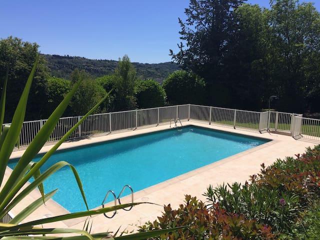Chambre dans villa, Piscine, calme - Grasse