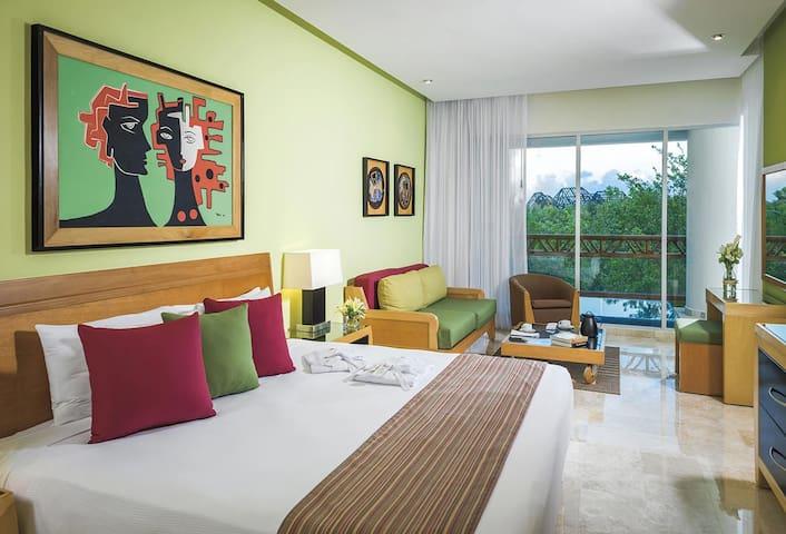 One bedroom unit at the Grand Mayan!! - Playa del Carmen